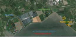 Overzicht van de drie geplande windparken in Kapelle. De exacte locaties van de windturbines van Windpark Kapelle-Schore kunnen pas bepaald worden als er meer duidelijk is rondom de dijkverzwaring. Daarom is dat gebied gearceerd.